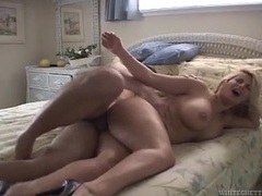 Curves are so stunning on the hardcore slut in his bedroom videos