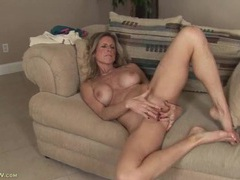 Freckled milf babe fondling her tits and masturbating tubes
