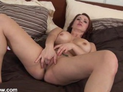 Mom with splendid curves masturbates in her bed movies at kilogirls.com