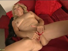 Saggy tits granny fingers her amazing cunt movies at find-best-lesbians.com