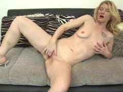 Leggy blonde milf fucking a toy erotically videos