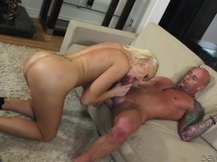 Bimbo mom in blue lingerie takes a pounding videos