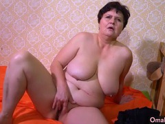Big tits granny chick masturbates lustily in bed videos