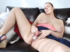 Hairy pussy girl vibrates her beautiful pussy videos