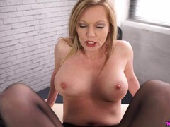 Give the milf a good virtual fucking videos