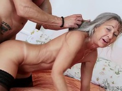 Big dick fucks into her granny pussy tubes