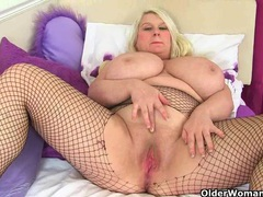 English milf sammy sanders masturbates in fishnets videos