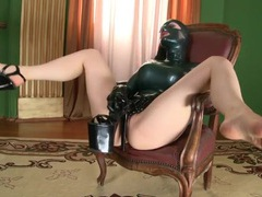 Latex lucy rubs a platform heel all over her pussy videos