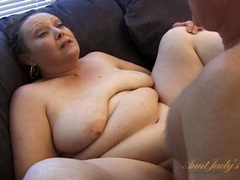 Fatty on his couch fucked in her mature pussy movies at kilopics.net