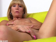 Sexy solo mature blonde erotically plays with her cunt videos
