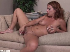 Naked lady with a little pink vibrator for her clit videos