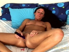 Mom turns on her vibrator to pleasure her clit videos