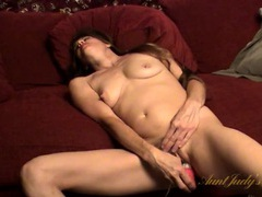 Vibrator makes the milf moan in orgasmic delight movies at sgirls.net