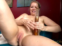 Sexy smooth mature pussy fucked by a dildo videos