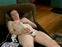 Cute naked milf turns on her vibrator to get off movies at kilotop.com