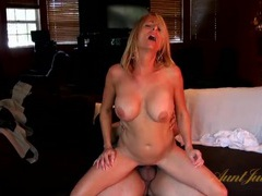 Hot body mommy boned by in her wet pussy videos