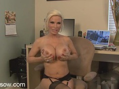 Diamond foxxx shows off her huge titties movies at dailyadult.info