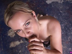 Sweet blonde in a ponytail has hot virtual sex tubes