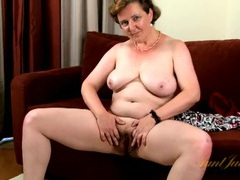 Pubic hair grows wild on this mature babe videos