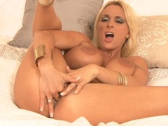 Curvy and hugely busty holly halston fingers her snatch movies at find-best-videos.com