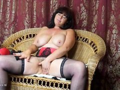 Curvaceous milf babe in a lovely lingerie set movies at sgirls.net