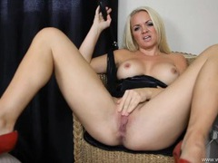 Mistress delivers dirty talk to get you off movies at kilotop.com