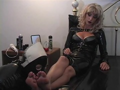 Sub latex maid worship the feet of her mistress videos