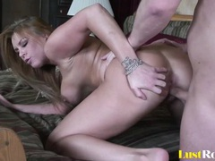 Curvy bombshell jaylin rose can get quite creative videos