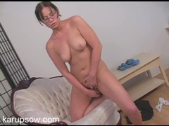 Nerdy mom and her glass dildo get off solo videos