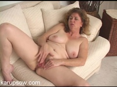 Big natural mature titties on a solo babe movies at kilotop.com