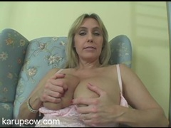 Big milf titties look so sexy in pink lace videos