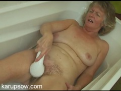 Bathing grandma gives her hairy cunt a good time movies at lingerie-mania.com