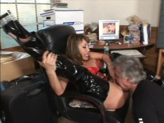 Old guy worships the hot cunt of ava devine tubes