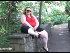 Fat mature flasher sammi videos