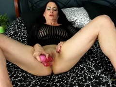 Mature solo babe toy fucks her asshole tubes