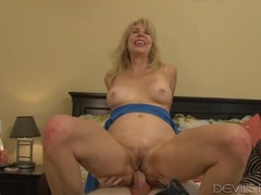 Mature slut gives up her asshole to a young guy movies at sgirls.net