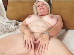 Granny with sexy nipple rings masturbates her hot pussy videos