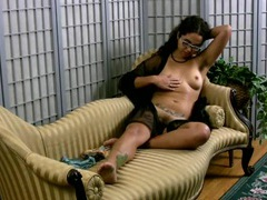 Hairy milf nipples and cunt in close up movies at kilotop.com