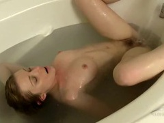Pretty girl with a bush takes a very sexy bath videos