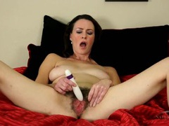 Hot bush on a masturbating mature brunette videos