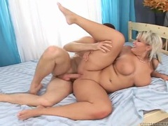 Chubby girl with her fat ass up for hard dick movies at find-best-videos.com