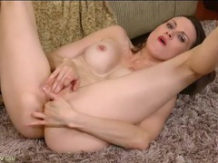 Tight milf body is breathtaking on this masturbating chick tubes
