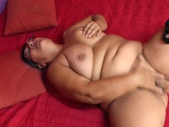 Naked mature bbw masturbates her slutty box videos