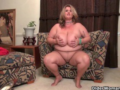 Curvy milf jewels carter plays with cameraman's dick videos