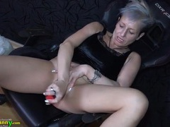 Solo granny lubes her pussy and plays with it videos