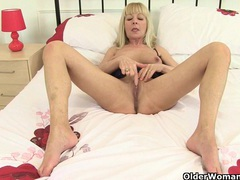 British gilf georgie nylons fingers her arse videos
