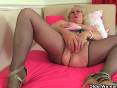 British granny claire knight is pleasuring her old cunt videos