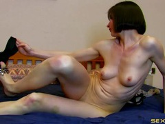 Pretty cam girl dancing and stripping for you tubes