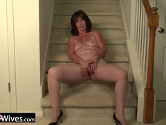 Usawives horny wife on the stairs masturbate videos