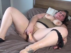 Fatty sucks on her toy and bangs her snatch movies at kilotop.com